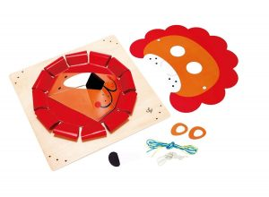 Hape Brave Lion Look Craft Kit
