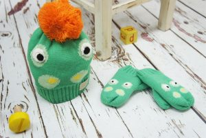 Blade and Rose Green Crocodile Hat and Mittens Set
